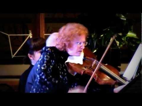 Schumann Marchenbilder (Fairy Tales) 1st&2nd Mvt - Rivka Golani, Michael Hampton.