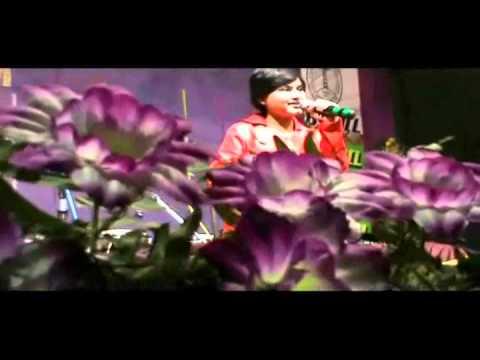 Dil hai chota sa choti si asha performed by Rai