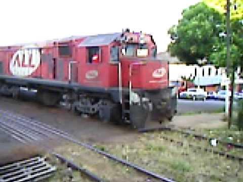Locomotivas manobrando em Iju�, no dia 31/12/2008.