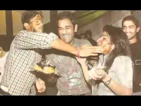 India Cricket Team - Players Wife, Girlfriends and Family mates.avi