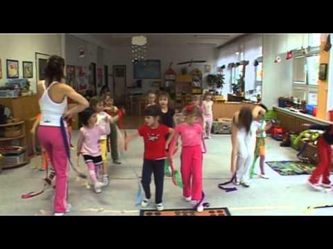 Cvičení s Hankou Kynychovou pro děti - 2. část