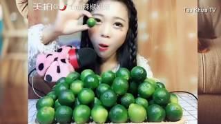 TKTV | Thử ăn một rổ chanh chấm với ớt xem như thế nào | Mukbang lemon