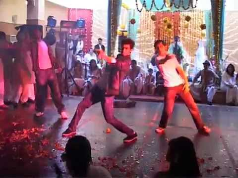 The Best Mehndi Dance Ever 2012 (Shahid Kapoor Songs Medley)