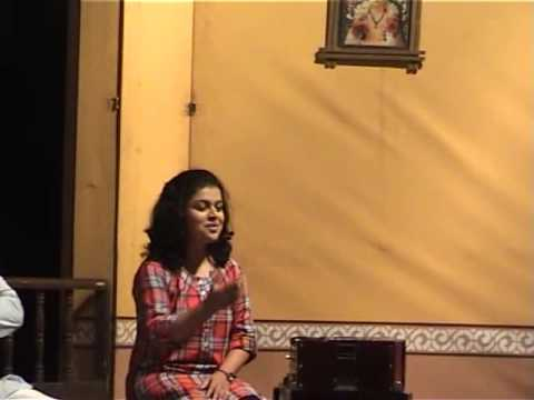 Rashmi Moghe Singing Kathin Kathin In Sangeet Natak Awagha Rang Ekachi Zala video