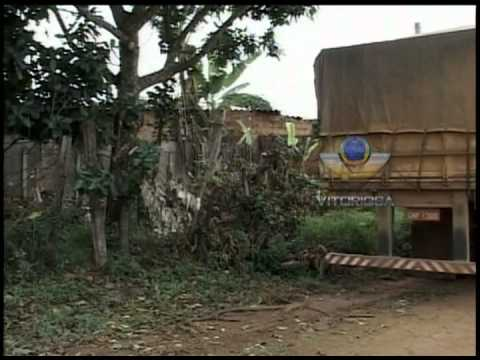 Terreno baldio em Araguari na verdade faz parte de rua