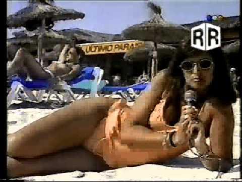 Adriana Salgueiro y los topless 1993 | Resiste un archivo