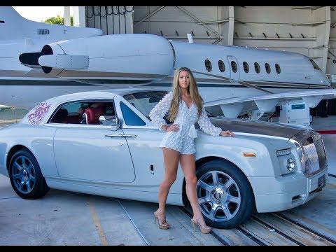 Hot Cars Hot Girls Music And FUN At Wheels Wings & Fashion 2019
