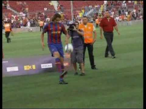Zlatan Ibrahimovic signs for Barcelona