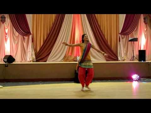 Nagada Sang Dhol And Bhangra Dance At Sangeet video