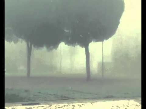 Monstruo grabado por camara de seguridad de madrugada. (España)