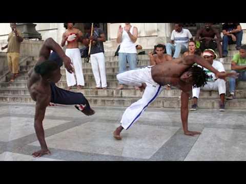 Capoeira Kampftanz Gruppe auf den Straßen von Havanna