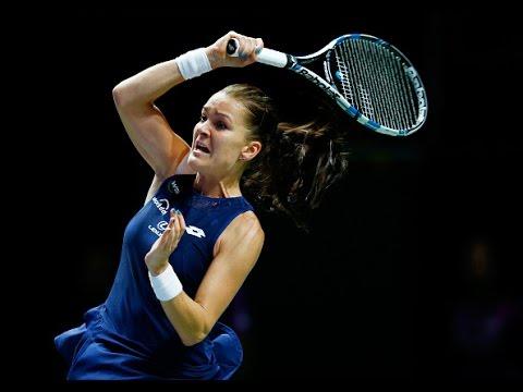 Agnieszka Radwanska vs Simona Halep | 2015 WTA Finals Highlights