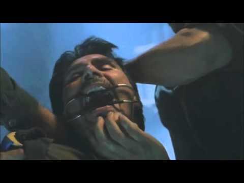 Arnold Schwarzenegger - Daño Colateral - Escena de la serpiente