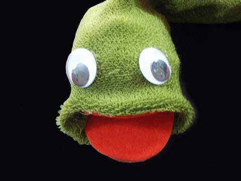 Recycled kids crafts: Snake sock puppet