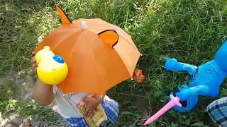 Trò Chơi Che Dù Trời Mưa ❤ ChiChi ToysReview TV ❤ Đồ Chơi Trẻ Em Baby Umbrella Rain Toys