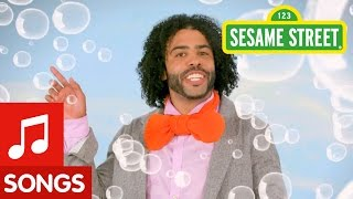 Sesame Street: Rubber Duckie featuring Daveed Diggs