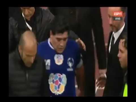 La escandalosa agarrada entre Maradona y Verón en el Partido por la Paz