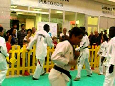esibizione tkd lemzouri 3 edizione di sport per tutti navachio 035