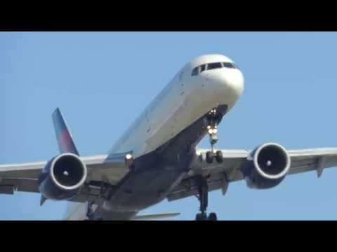 Delta Airlines Boeing 757-200 [N752AT] landing in LAX