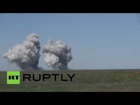 Russia: TOS-1 thermobaric rocket drill near Ukraine border
