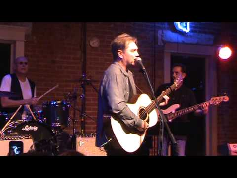 Steve Wariner Small Town Girl LIVE