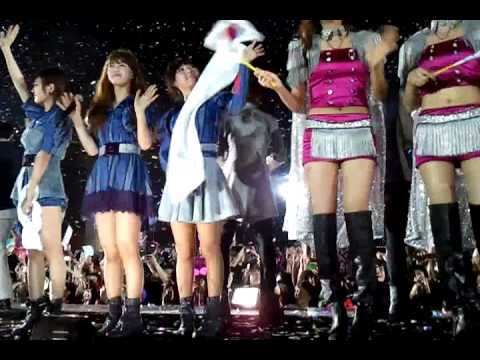 [FANCAM] 110312 MBC Korean Music Wave in Bangkok - 아리랑 (Arirang)