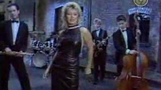 Клип Kim Wilde - Love Blonde