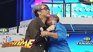 It's Showtime: Vice Ganda misses his father and grand father