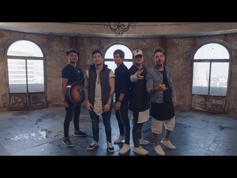 Carlos Baute Feat. Piso 21- Ando Buscando (Videoclip Oficial)