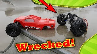 RC Car TOTAL DESTRUCTION - Traxxas 4s Rustler VS Skate Park