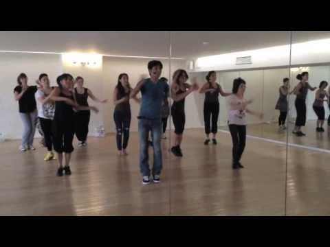 Jadoo Ki Jhappi --- Folk Dance Class at Divine Yoga
