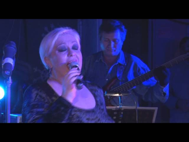 Monica Anghel - New York, New York (LIVE in Garajul Europa FM)