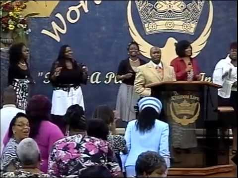 Elder Adeira Black leads a Praise Break @ Kingdom Life, Orangeburg, SC