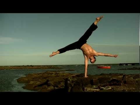 Andrea Catozzi - INSPIRING MOVEMENT (2012) - Capoeira - Dance - Expression - Art of movement