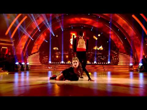 Holly Valance & Artem Chigvintsev - Paso Doble - Strictly Come Dancing 2011 - Week 10