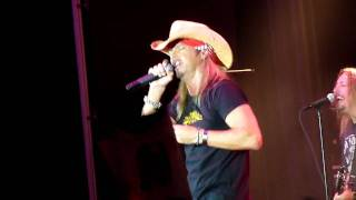 """Bret Michaels (LIVE HD) """"Rock of Love"""" Theme Song 2010"""