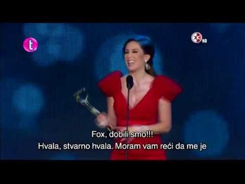 Jacqueline Bracamontes en los Premios