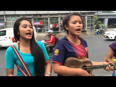 download lagu C.I.N.T.A D`bagindas Cover By Pengamen Jalanan Cantik Dan Manis gratis