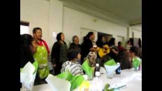 Singing the Lord's prayer in Maori