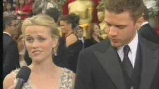 Reese-Witherspoon_2006-Oscars_Red-Carpet.wmv