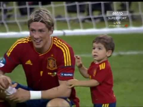 Torres and kids - Nora and Leo celebrate Euro Victory