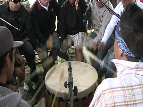 Black bear singers - Manawan pow-wow 2010