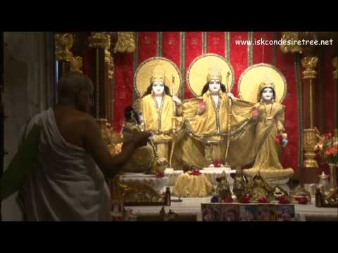 Iskcon Juhu - Mangal Aarti video