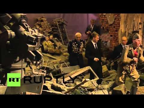 بوتين يزور بانوراما لمعركة برلين بالأبعاد الثلاثية  29-4-2015