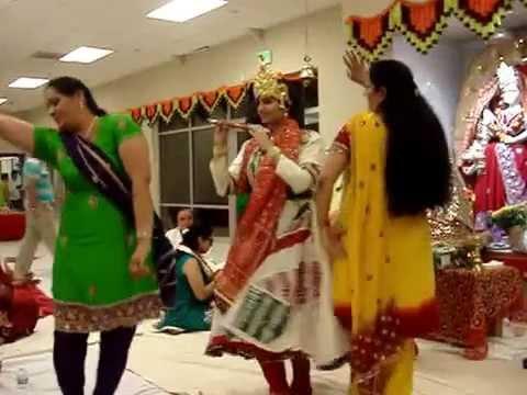 Radhe Radhe Rato Chale Aayenge Bihari video
