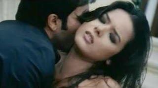 Zeher | Emraan Hashmi & Udita Goswami Hot Scene