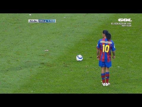 Ronaldinho: 14 Ridiculous Tricks That No One Expected