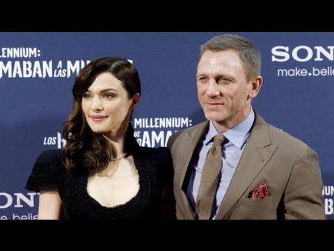 Daniel Craig and Rachel Weisz Make Their Red-Carpet Debut!