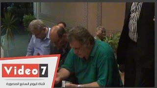 بالفيديو.. محمود ياسين والفيشاوى وأبو زهرة وبدير والحلفاوى فى عزاء خليل مرسى