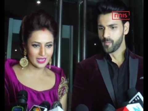 Divyanka, Vivek Glow At Second Reception In Mumbai